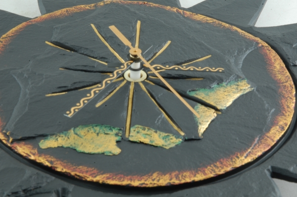 Use of colour on Heartworks slate clocks