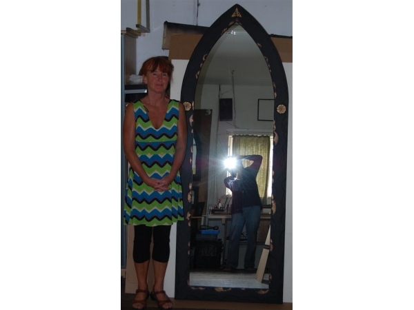 extra-large-gothic-mirror-medium
