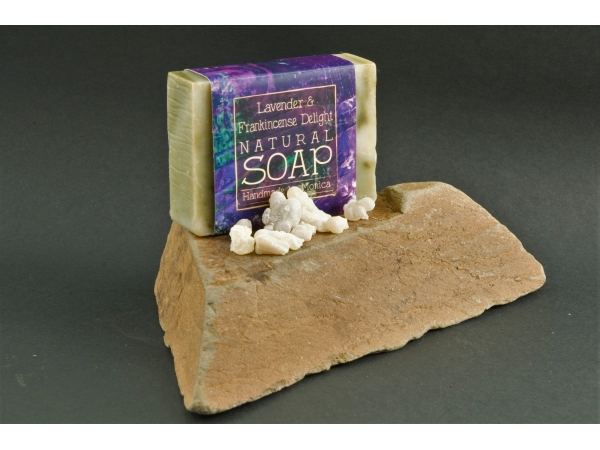 frankincense-and-lavender-soap-1