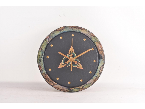 heartworks-new-border-clock-with-celtic-motif