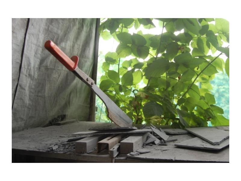 Slate cutting machine