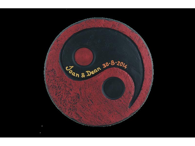 yin-yang-tealight-holder-with-insrciption-medium